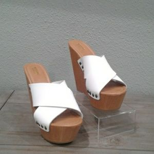 MOSSIMO Women's Brand New  Wedges Size 7.5